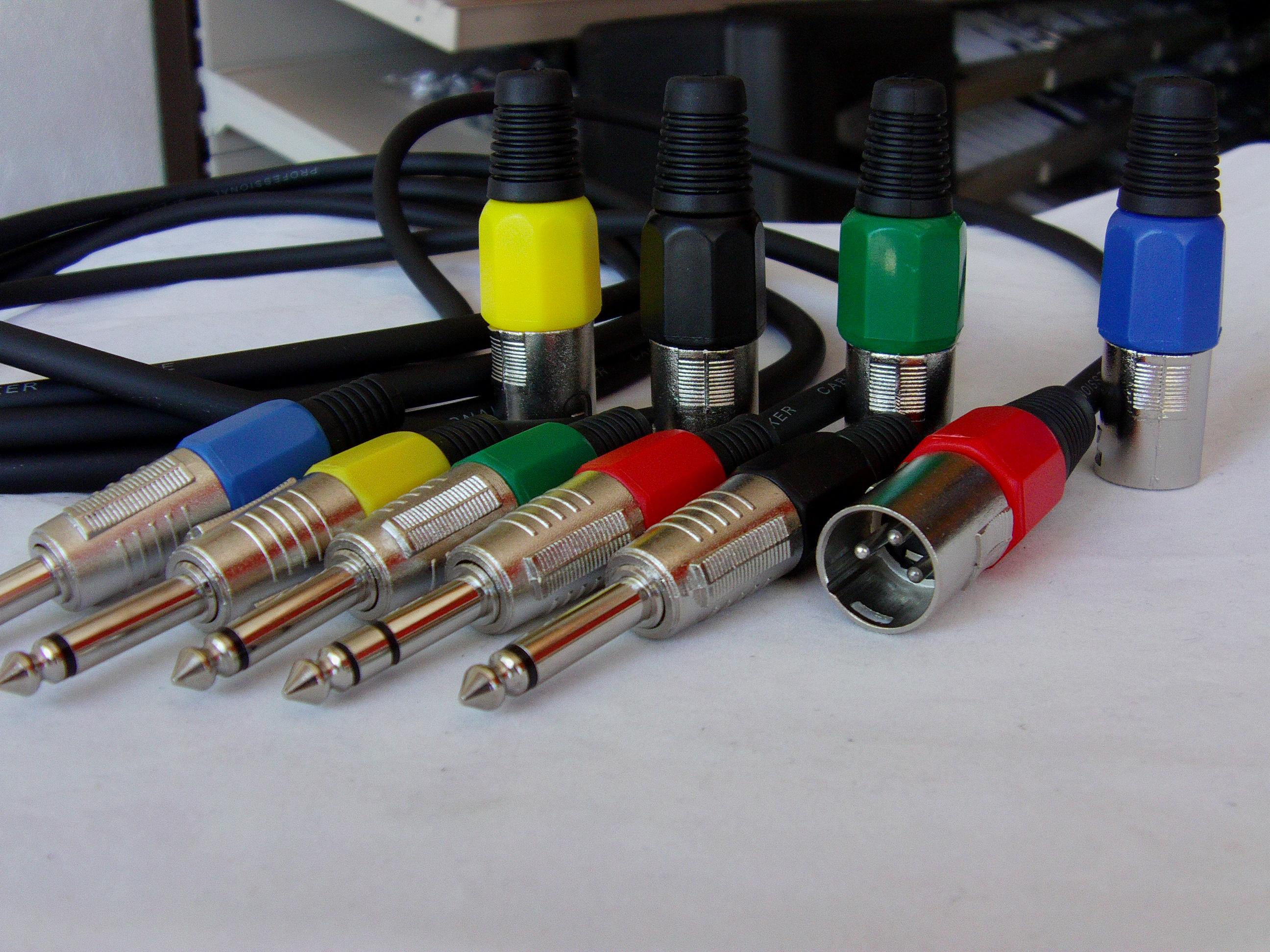 Ausgezeichnet Kabel Farbcode Standard Fotos - Schaltplan Serie ...